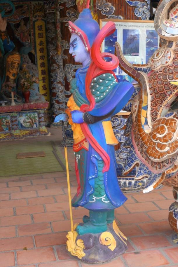 entrée de la pagode - entrance hall of the pagoda